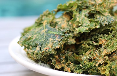Cashews and Garlic with Kale Chips